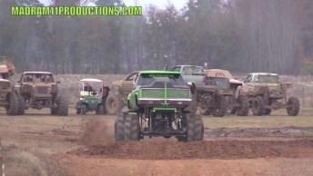 Monster Truck - É Melhor Sair De Perto Dessas Rodas Gigantes!
