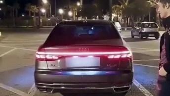 Traseira Do Audi Acendendo Como Uma Discoteca, Confira!