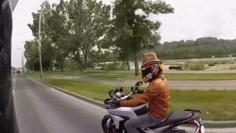 Cowboy De Motocicleta, Olha O Que Ele Faz Para A Moto Correr Hahaha!