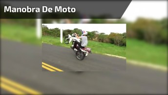 Manobra Em Cima De Uma Moto, Cuidado Para Não Cair, Hein!