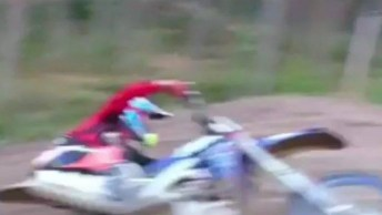 Manobra Impressionante De Piloto Em Motocross, Vale A Pena Conferir!