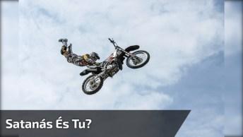 Moto Em Competição Sai Em Alta Velocidade, Mesmo Sem O Seu Piloto Montado Nela!