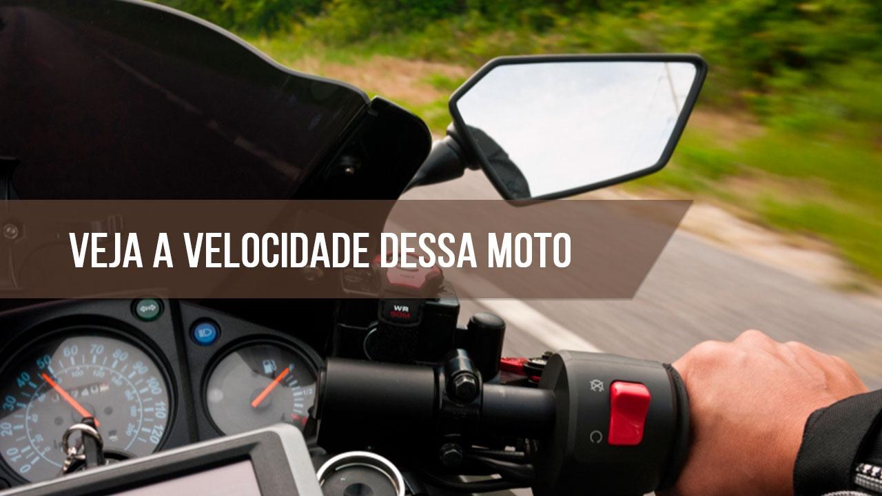 Rolê com os amigos de moto