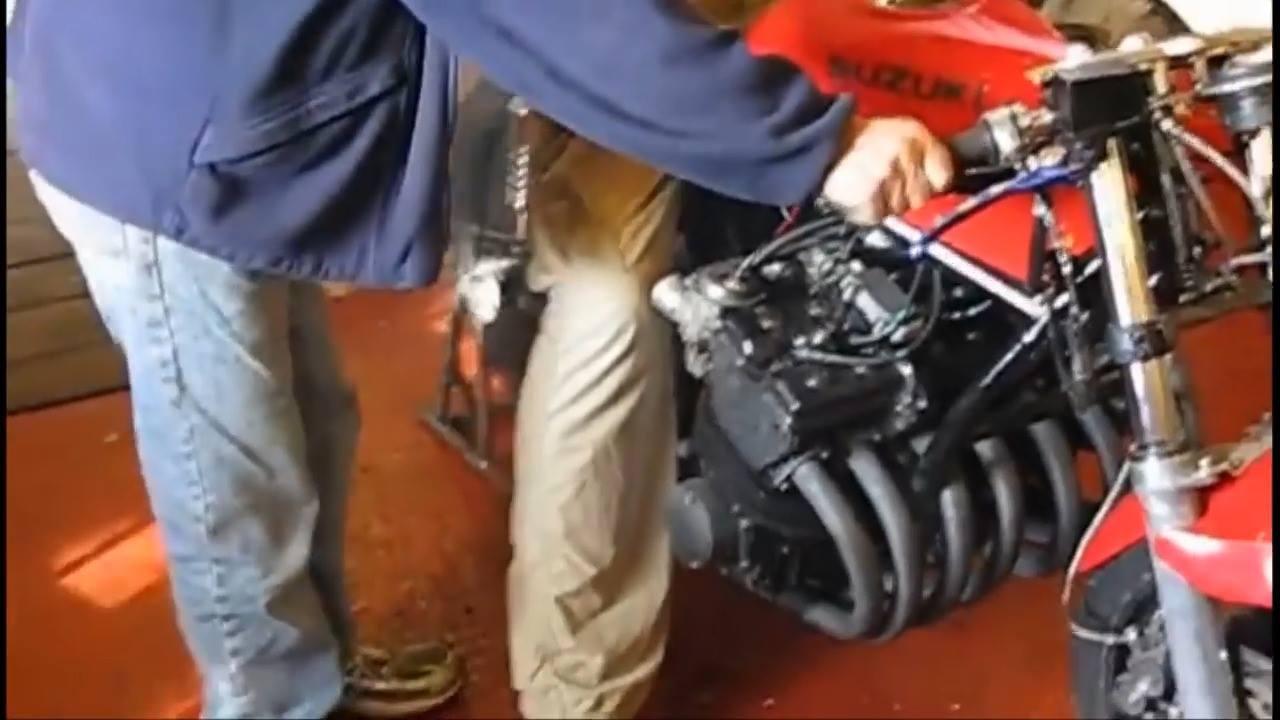 Vídeo mostrando as diferenças entre sons de motos de 1 a 8 cilindros!!!