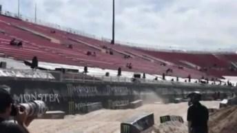 Vídeo Mostrando Um Pouquinho De Motocross Para Os Apaixonados Por Motos!