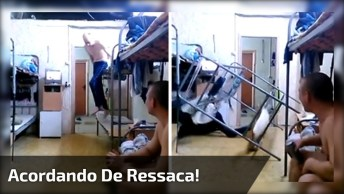 Acordando De Ressaca, Para Rir Muito E Compartilhar No Facebook!