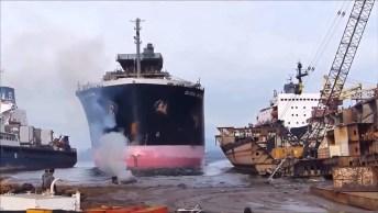 Acidentes Com Navios, As Batidas Mais Bizarras Você Vai Ver Aqui!