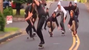 Amigos Que São Amigos, Fazem Tudo Juntos, Até Cair Do Skates Kkk!