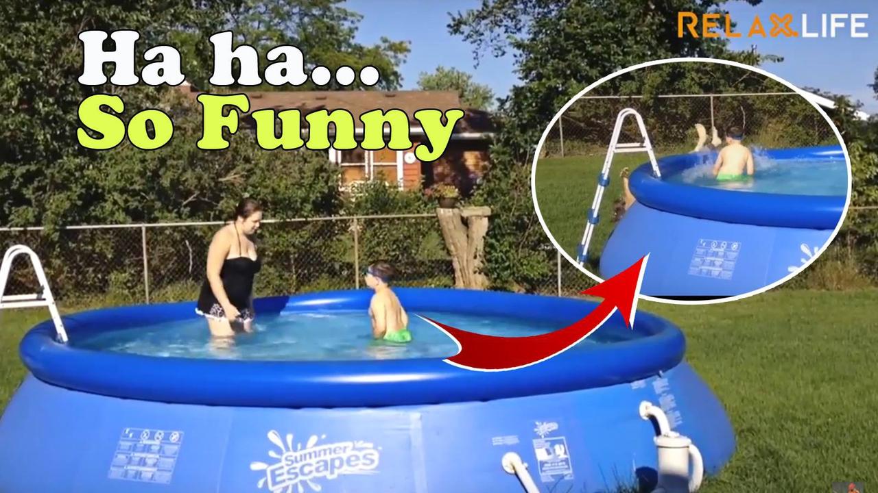 Cenas engraçadas com crianças e piscinas