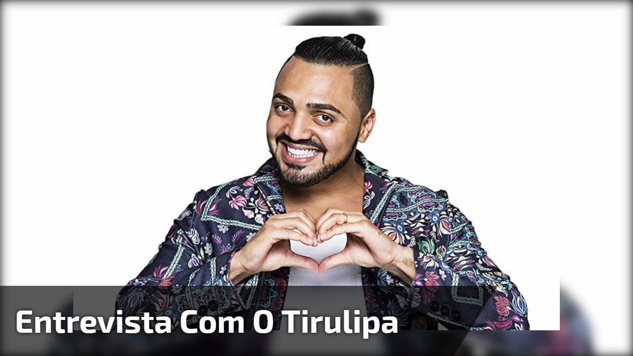 Entrevista com o Tirulipa em programa de TV, veja de qual cantora ele é parente!