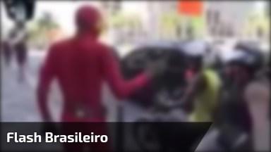 'Flash Brasileiro' Fui Lá E Voltei, Não Viu Não? Essa Foi Muito Boa Hahaha!