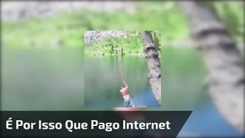 Mulher É 'Engolida' Por Peixe Gigante, Após Ver Isso Você Vai Amar A Internet!