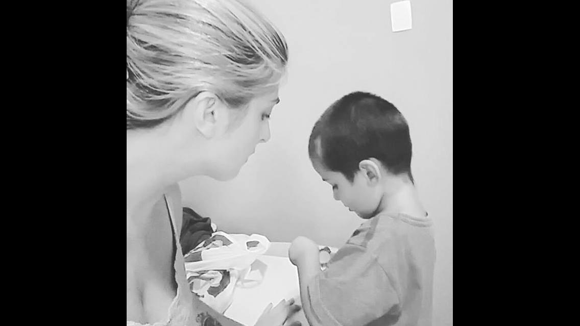 Quando a mãe quer comer o chocolate do filho