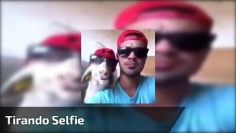 Tirando Selfie Com Seu Melhor Amigo, Kkk! Marque Ele No Facebook!