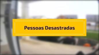 Video Para Dar Muitas Risadas, Marque As Pessoas Mais Desastradas Do Facebook!