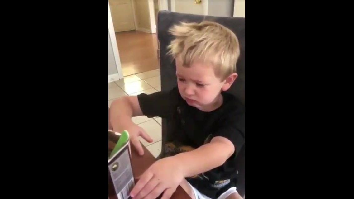 Pai engana o filho e coloca pó de café no pote de chocolate