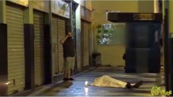 Pegadinha Do Morto Ressuscitando No Meio Da Rua, Que Susto!