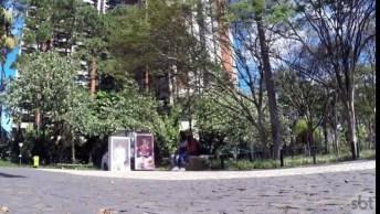 Pegadinha Dos Bonecos No Parque, Quem Não Sairia Correndo?