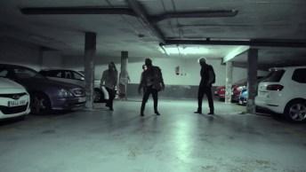 Pegadinha Dos Zombies No Estacionamento, Quem Não Sairia Correndo Hein?