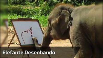 Elefante Desenhando Com Pincel Um Elefante Com Flores, Simplesmente Fantástico!