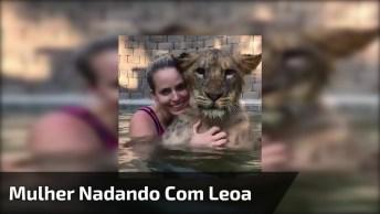 Mulher Nadando Com Animal Selvagem, Que Mulher Corajosa Hein!