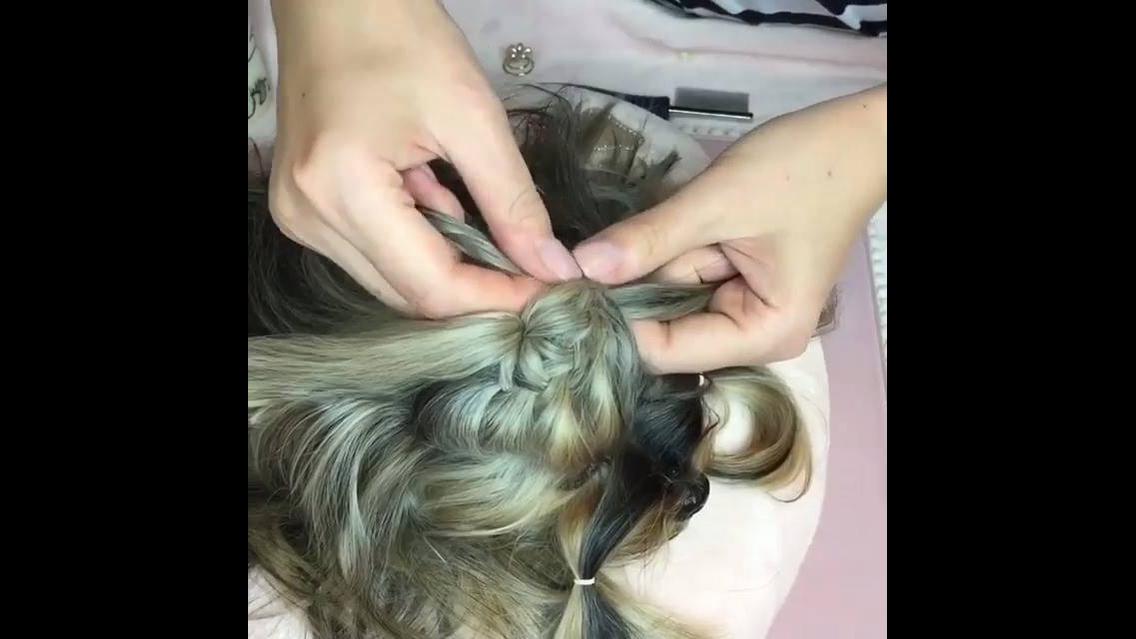 Penteado para cachorro, que coisa mais linda