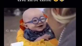 A Reação Deste Bebê Ao Ver A Mãe Pela Primeira Vez É Emociante Demais!