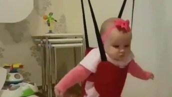 Balancinho De Bebê Que Deixa Eles Entretidos, Confira E Compartilhe!