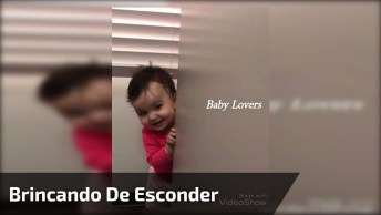 Bebê Brincando De Esconder O Rostinho, Que Fofura Gente, Confira!