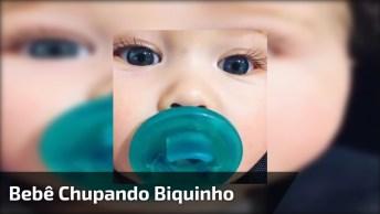 Bebê Chupando Biquinho, Olha Só Este Olhão Lindo Da Cor Do Biquinho!