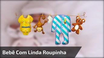 Bebê Com Linda Roupinha Com Toquinha, Olha Só O Rostinho Dela, Que Fofa!