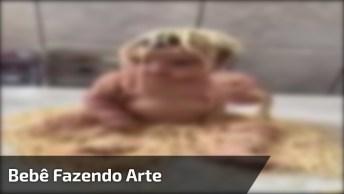 Bebê Com Macarrão Até Na Cabaça, Uma Cena Típica De Criança Mesmo!
