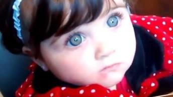 Bebê Com Os Azuis Que Se Parecem De Mentira De Tão Lindos!