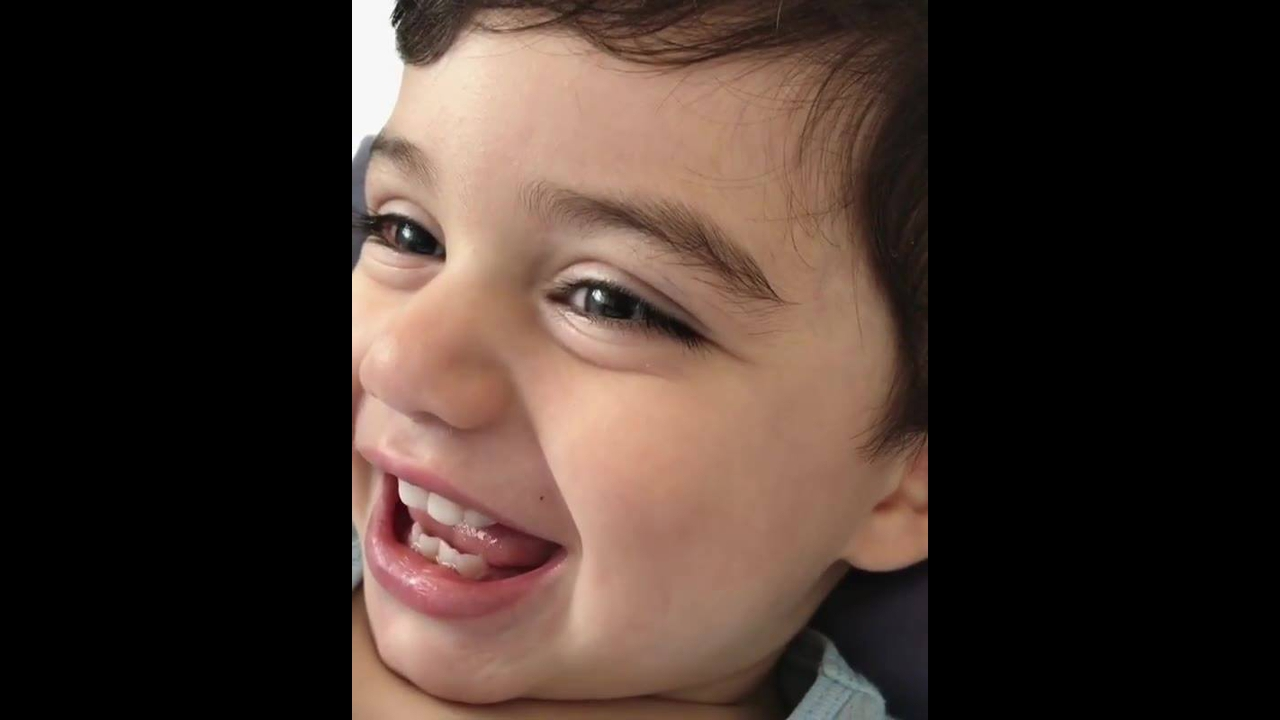 Bebê com risadinha mais gostosa que você vai ver hoje