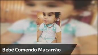 Bebê Comendo Macarrão E Dormindo Ao Mesmo Tempo, Confira!
