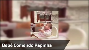 Bebê Comendo Papinha, Olha Só Que Criaturinha Mais Linda Esta Fofa!