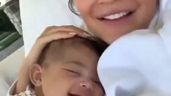 Bebê Da Lindas Risadinhas Quando A Mamãe Fala, Um Momento Mais Que Especial!