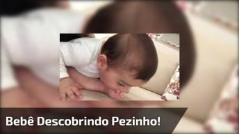 Bebê Descobriu O Pezinho, Olha Só Como Ele Esta Mordendo Seu Dedo!