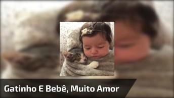 Bebê Dormindo Com Gatinho, Ela Não É Linda? Que Amor Ficou Essa Dupla!