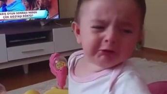Bebê Faz Beicinho Quando A Mamãe Fala Algo, Ela Até Chora!
