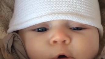 Bebê Fazendo Os Sons Mais Fofinhos Que Você Vai Ver Hoje, Confira!