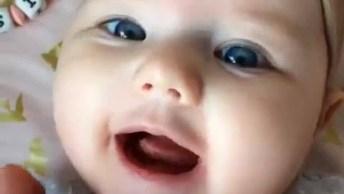 Bebê Fofa Para Facebook, Compartilhe Com Seus Amigos E Amigas!