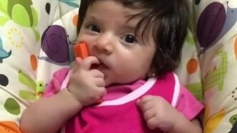 Bebê Fofo Para Postar No Facebook, Uma Linda Bebê Super Meiga!