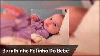Bebê Linda Fazendo Barulhinho Com A Boquinha, Olha Só Que Fofura!