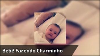 Bebê Lindinha Fazendo Charminho Pra Mamãe, Olha Só Que Lindinha!
