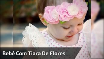 Bebê Mais Linda Com Tiara De Flores Na Cabeça, Olha Só Que Fofura!