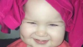Bebê Mais Linda Que Você Já Viu, Olha Só Este Sorriso Fofinho!