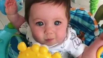 Bebê Tentando Falar As Primeiras Palavras, Mais Um Vídeo De Bebê Fofinho!