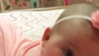 Bebê Tentando Falar, Olha Só Os Barulhinhos Mais Fofinhos Dela!