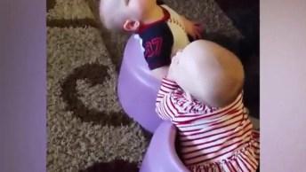 Bebês Brincando, Cochilando, Aprontando Todas, É Muito Engraçadinho!